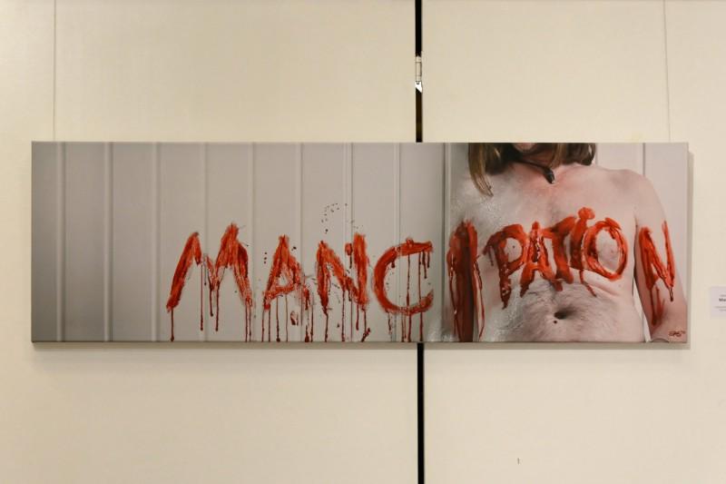"""Foto und Acryl/Öl: """"Mancipation"""", ein älteres Werk aus der Bäuche-Serie"""