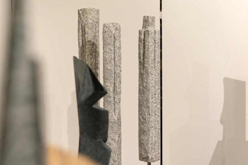 """Impressionen aus Stein: drei Teile von """"Skyline"""" von Dietmar Rudolf"""