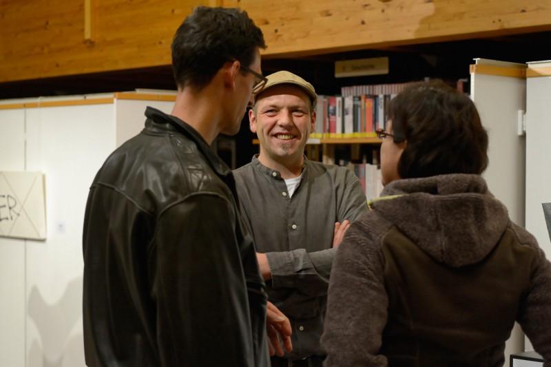Interessante Gespräche bei der Ausstellungseröffnung