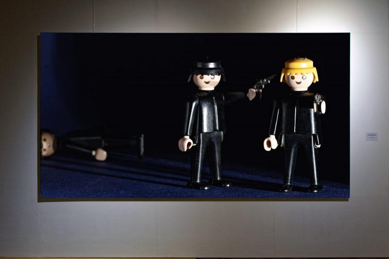 Früh übt sich #2, 2018, Fotografie; Plattendirektdruck auf Wabenkarton, 140 x 262 cm, 1/10