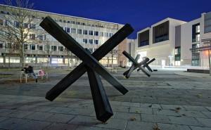 Installation von Krešimir Crash Vorich und Stephan A. Schmidt, Heiner-Metzger-Platz Neu-Ulm