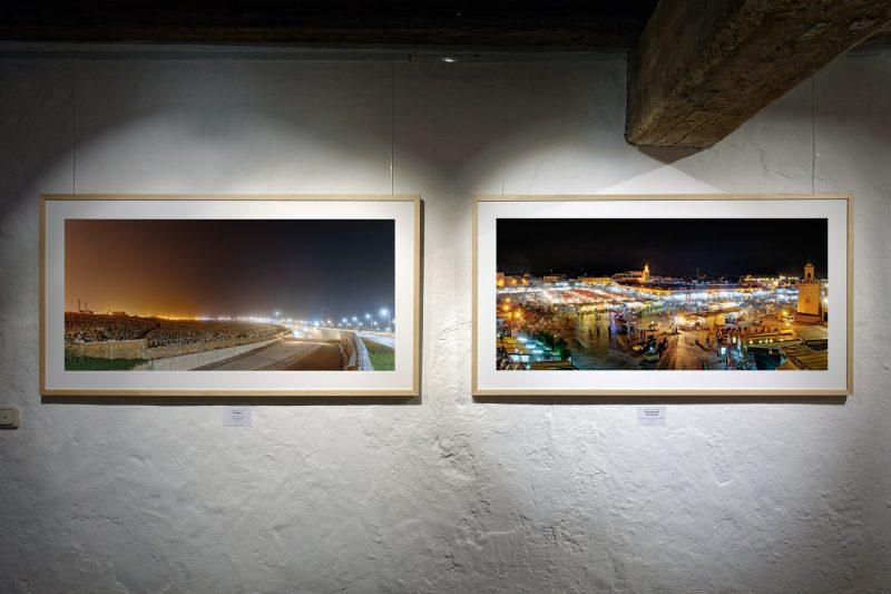 Yin & Yang – links: Stadion, 2015, Belichtungsreihenfoto (Rabat), rechts: Gerüche und Geräusche, 2015, Belichtungsreihenfoto (Marrakesch), jeweils Pigmentdruck auf Bütten, 73 x 138 cm (inkl. Rahmen), 1/10